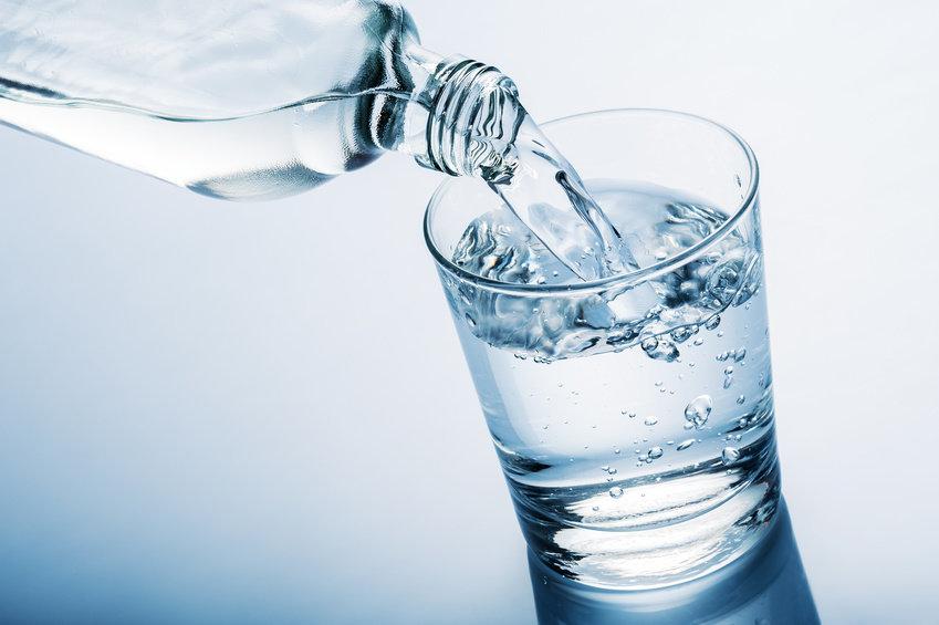 Nước - Yếu quan trọng tố hàng đầu trong việc giữ độ ẩm cho da
