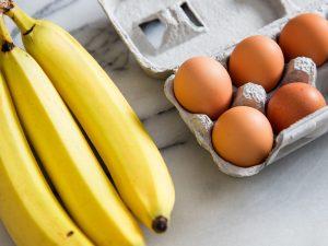 Làm đẹp, ngăn ngừa lão hóa từ trứng và chuối