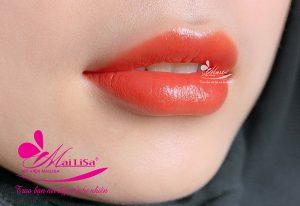Phun môi bằng công nghệ phủ bóng collagen tại Mailisa