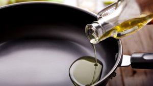 Sử dụng dầu oliu đúng cách sẽ cải thiện cho tim mạch