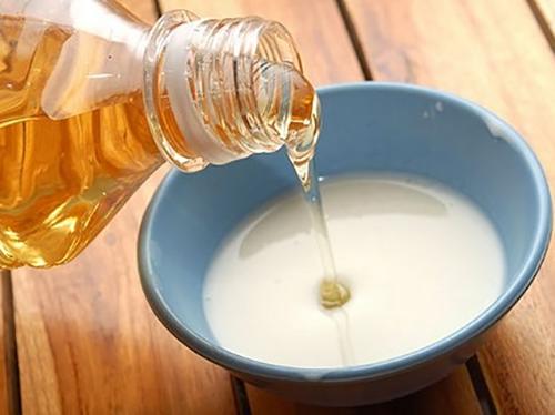 Tác dụng dưỡng và làm trắng da với sữa chua và dầu ô liu