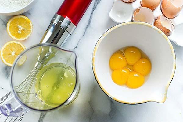 Làm đẹp da mặt bằng trứng gà giúp da căng sáng rạng ngời