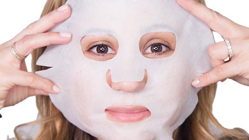 Sử dụng mặt nạ dưỡng da mỗi tuần